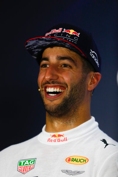 Marina Bay Circuit, Marina Bay, Singapore. Sunday 17 September 2017. Daniel Ricciardo, Red Bull Racing, 2nd, in th epost race press conference.  World Copyright: Sam Bloxham/LAT Images  ref: Digital Image _W6I8276