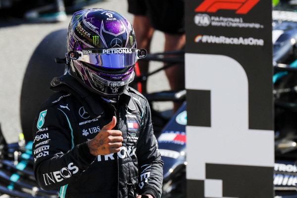 Lewis Hamilton, Mercedes-AMG Petronas F1, on pole position