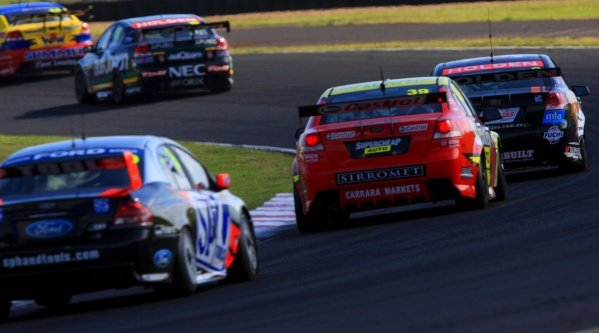 Jason Richards (NZL) Sprint Gas Commodore leads Russell Ingall (AUS) Supercheap Commodore.