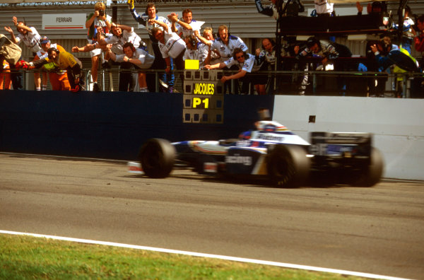 Silverstone, England.12-14 July 1996.The Williams team celebrates as Jacques Villeneuve (Williams FW18 Renault) takes the victory.Ref-96 GB 14.World Copyright - LAT Photographic