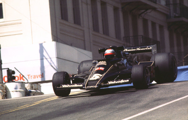 1977 United States Grand Prix West.Long Beach, California, USA.1-3 April 1977.Mario Andretti (Lotus 78 Ford) 1st position.Ref-77 LB 09.World Copyright - LAT Photographic