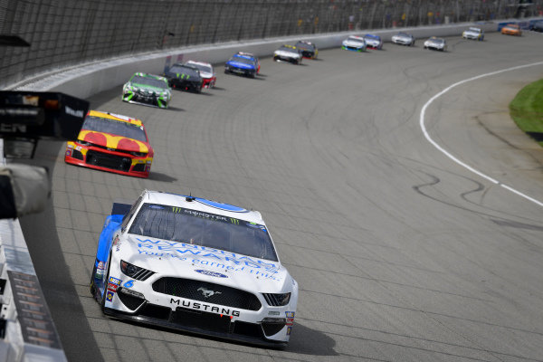 #6: Ryan Newman, Roush Fenway Racing, Ford Mustang Wyndham Rewards, #42: Kyle Larson, Chip Ganassi Racing, Chevrolet Camaro McDonald's
