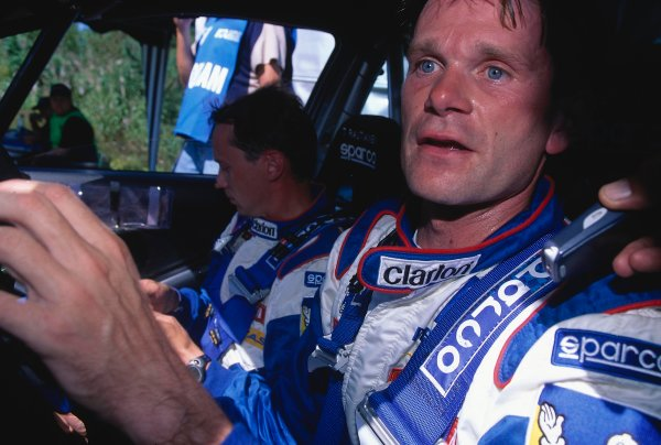 2002 World Rally ChampionshipNeste Rally of Finland. 8th - 11th August 2002.Rally winner Marcus Gronholm/Timo Rautianen, Peugeot 206 WRC, portrait.World Copyright: McKlein/LAT Photographicref: 35mm Image A08