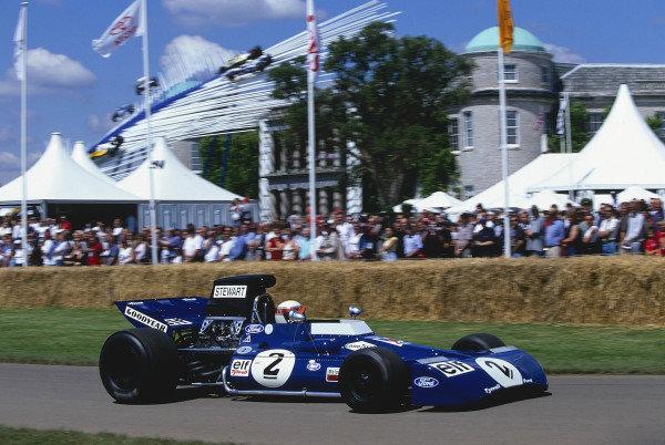 2002 Goodwood Festival of SpeedGoodwood, England. 12th - 14th July 2002.Sir Jackie Stewart, Tyrrell-Cosworth 002.World Copyright: Jeff Bloxham/LAT Photographicref: 35mm Image A16