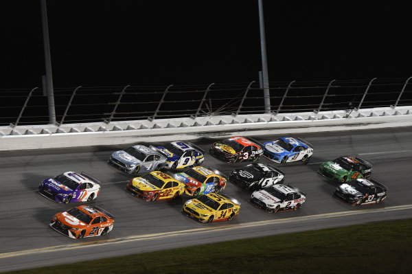 #23: Bubba Wallace, 23XI Racing, Toyota Camry, #11: Denny Hamlin, Joe Gibbs Racing, Toyota Camry