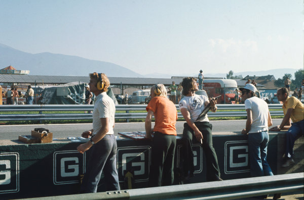 1974 Austrian Grand Prix  Osterreichring, Austria. 16-18th August 1974.  Max Mosley on pitboard duty.  Ref: 74AUT08. World Copyright: LAT Photographic