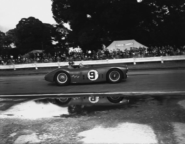 Goodwood, West Sussex, England. 16th August 1952 Pierre Levegh/Philippe Etancelin (Talbot Lago T26GS), retired, action. World Copyright: LAT Photographic Ref:  769 - 9.