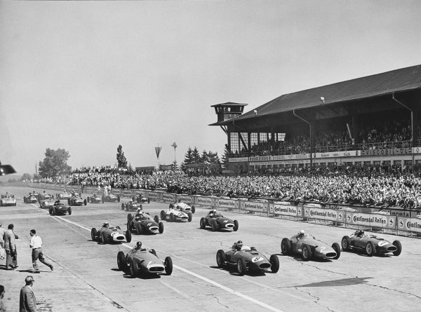 Nurburgring, Germany.  2nd - 4th August 1957. Stirling Moss (Vanwall VW5) 5th position, (Car 10) at the start of the race on the second row, action.World Copyright: LAT Photographic.