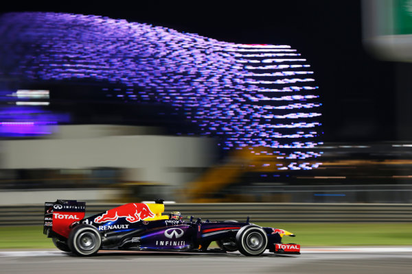 Yas Marina Circuit, Abu Dhabi, United Arab Emirates. Sunday 3rd November 2013. Sebastian Vettel, Red Bull RB9 Renault. World Copyright: Andy Hone/LAT Photographic. ref: Digital Image _ONZ2580