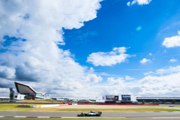 Silverstone, Northamptonshire, UK.  Friday 14 July 2017. Lewis Hamilton, Mercedes F1 W08 EQ Power+. World Copyright: Charles Coates/LAT Images  ref: Digital Image AN7T4396