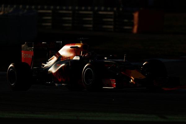 Circuit de Catalunya, Barcelona, Spain Thursday 25 February 2016. Daniil Kvyat, Red Bull Racing RB12 TAG Heuer. World Copyright: Alastair Staley/LAT Photographic ref: Digital Image _79P4800