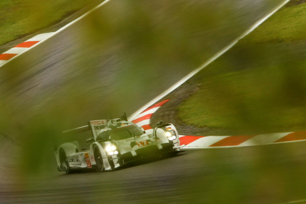 2015 FIA World Endurance Championship, Nurburgring, Germany. 28th - 30th August 2015. Timo Bernhard / Mark Webber / Brendon Hartley Porsche Team Porsche 919 Hybrid. World Copyright: Ebrey / LAT Photographic.
