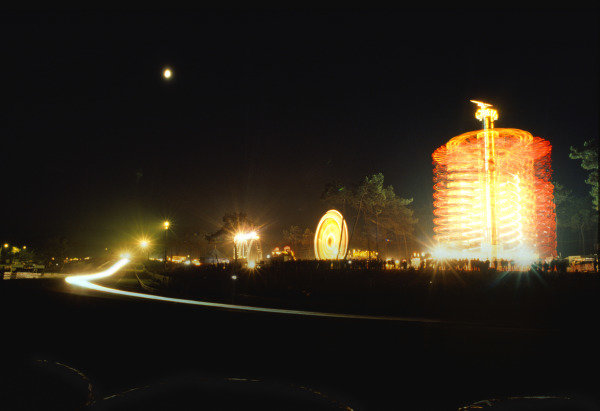 Le Mans, France. 11th - 12th June 1988 Night atmosphere. World Copyright: Jeff Bloxham/LAT Photographic ref: 88LM38