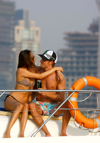 Yas Marina Circuit, Abu Dhabi, United Arab Emirates28th October 2009.Jenson Button and Jessica Michibata are reunited post Jenson winning the Formula One world championship. Spending time together on a cruise around the marina the couple enjoy some much anticipated time to themselves between Jenson's training schedule. Jenson travels to Abu Dhabi later today for the final F1 race of the season.World Copyright: Charles Coates/LAT Photographic ref: Digital Image _26Y5522
