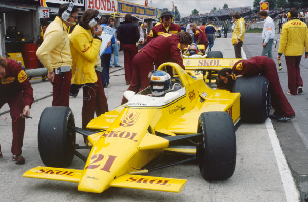 Brands Hatch, Great Britain. 11-13 July 1980.Keke Rosberg (Fittipaldi F7-Ford), DNQ, pit lane action.World Copyright: LAT Photographic.Ref:  80GB