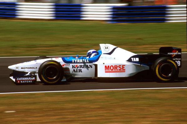 Silverstone, England.12-14 July 1996.Mika Salo (Tyrrell 024 Yamaha) 7th position.Ref-96 GB 29.World Copyright - LAT Photographic