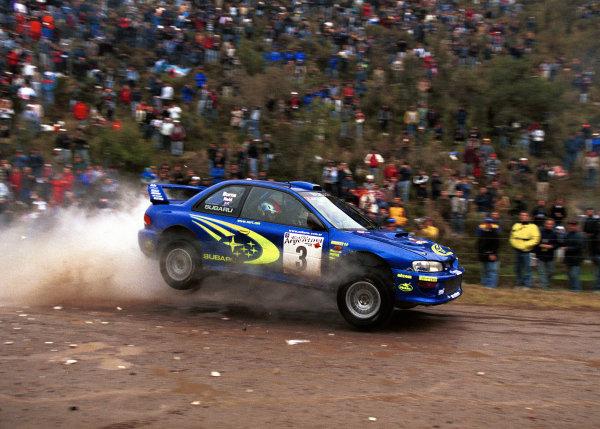 Richard Burns in action in the Subaru Impreza 2000 WRC.Argentina Rally 2000.Photo:McKlein/LAT