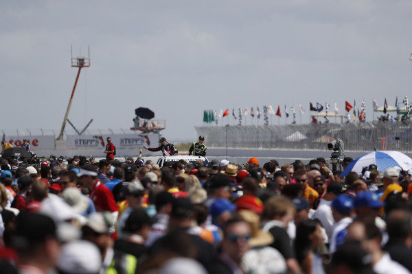 fans, grid, Charlie Kimball, Carlin Chevrolet, Jack Harvey, Meyer Shank Racing with Arrow SPM Honda