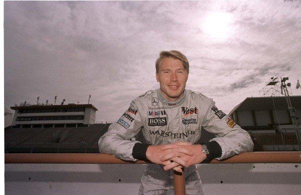 1998 Argentinian Grand Prix.Buenos Aires, Argentina.10-12 April 1998.Mika Hakkinen (McLaren MP4/13 Mercedes-Benz).World Copyright - Tee/LAT Photographic