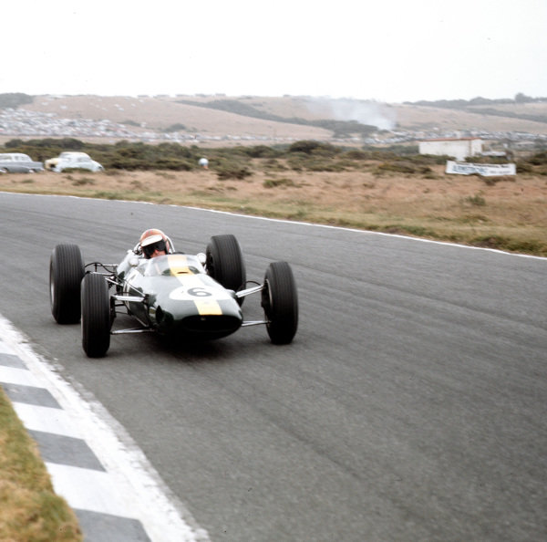 East London, South Africa.30/12/64-1/1/1965.Mika Spence (Lotus 33 Climax) 4th position.Ref-3/1507.World Copyright - LAT Photographic