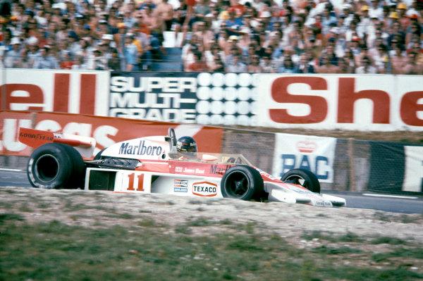 1976 British Grand Prix.Brands Hatch, Kent, Great Britain. 18 July 1976.James Hunt (McLaren M23-Ford).World Copyright: LAT Photographicref: 35mm Transparency Image