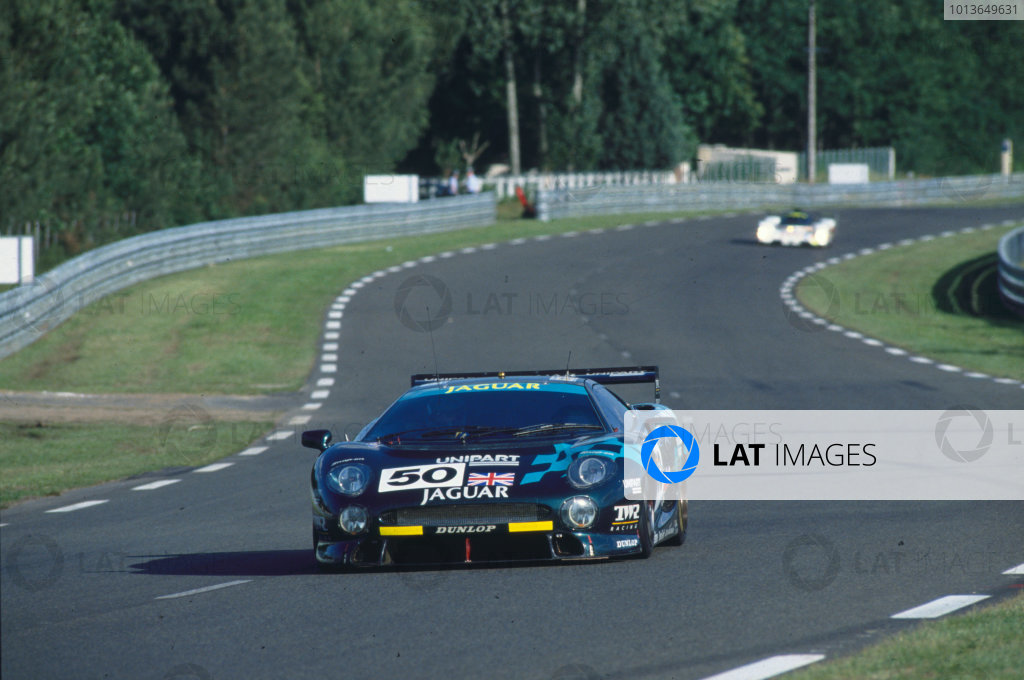 Le Mans, France. 19th - 20th June 1993. John Nielsen/David Brabham/David Coulthard (Jaguar XJ220C), disqualified from a class win, action. World Copyright: LAT Photographic. Ref:  93LM03.