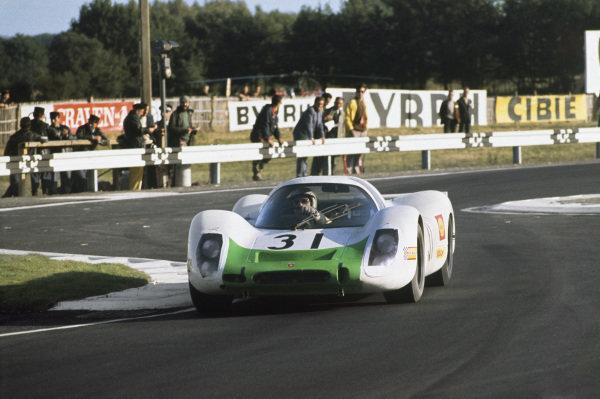 Le Mans, France. 28-29 September 1968. Jo Siffert/Hans Herrmann (Porsche 908), retired, action.  World Copyright: LAT Photographic. Ref:  68LM41