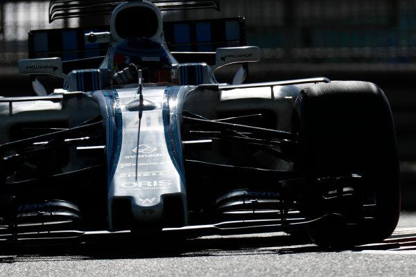 Yas Marina Circuit, Abu Dhabi, United Arab Emirates. Wednesday 29 November 2017. Sergey Sirotkin, Williams FW40 Mercedes.  World Copyright: Zak Mauger/LAT Images  ref: Digital Image _56I6489