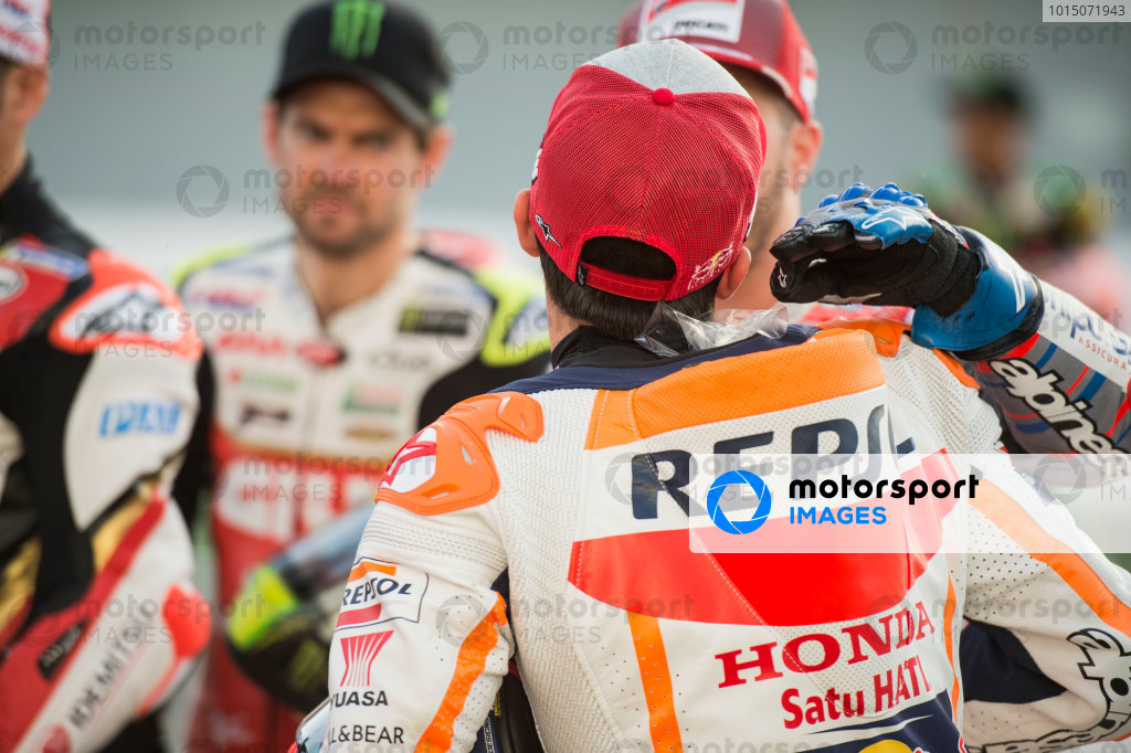 Andrea Dovizioso, Ducati Team, playing a joke on Marc Marquez, Repsol Honda Team