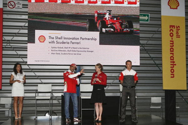 Sydney Kimball, Shell VP of Retail in the Americas and Kai-Uwe Witterstein, Shell Global Sponsorship Manager at a Shell Eco Event at Formula One World Championship, Rd19, Mexican Grand Prix, Preparations, Circuit Hermanos Rodriguez, Mexico City, Mexico, Thursday 27 October 2016.