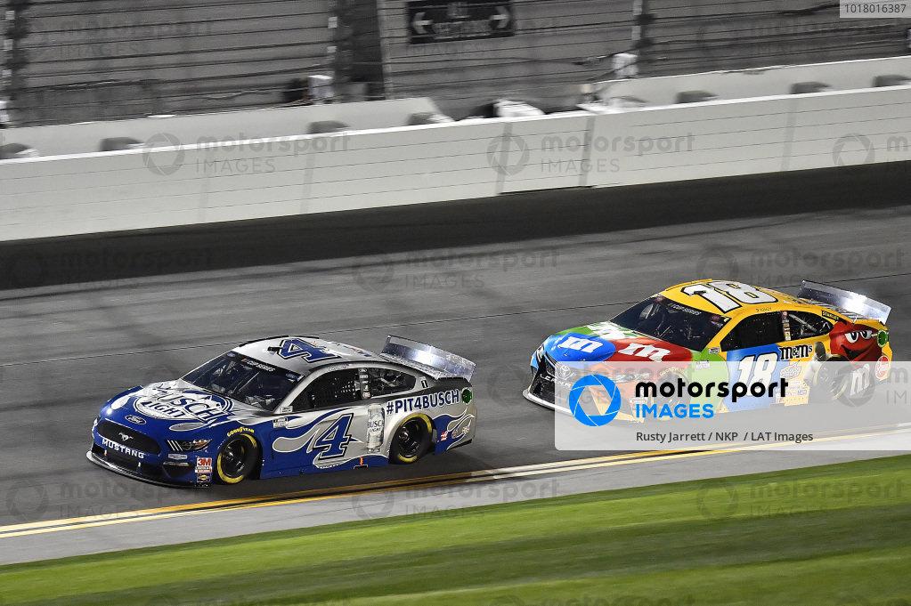 #4: Kevin Harvick, Stewart-Haas Racing, Ford Mustang Busch Light #PIT4BUSCH and #18: Kyle Busch, Joe Gibbs Racing, Toyota Camry M&M's
