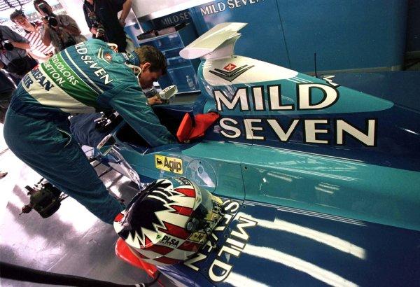 1998 Brazilian Grand Prix.Interlagos, Sao Paulo, Brazil.27-29 March 1998.Alexander Wurz (Benetton Playlife).World Copyright - LAT Photographic