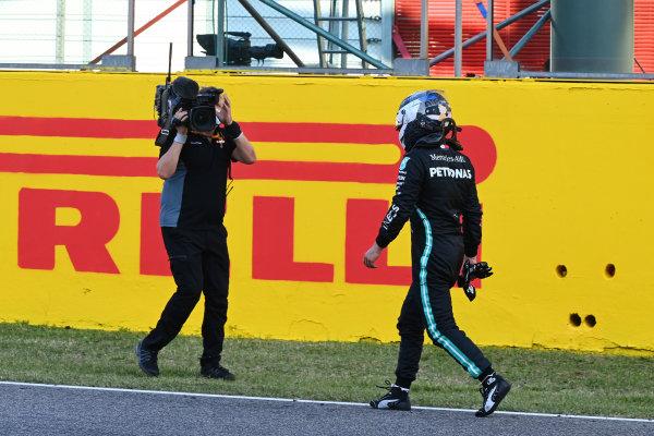 Valtteri Bottas, Mercedes-AMG Petronas F1, 2nd position, walks to the podium