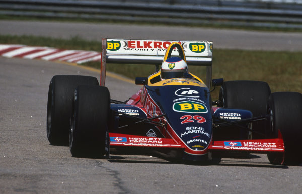 Jacarepagua, Rio de Janeiro, Brazil.1-3 April 1988.Yannick Dalmas (Lola LC88-Ford), retired, action. World Copyright: LAT Photographic. Ref: 88BRA51