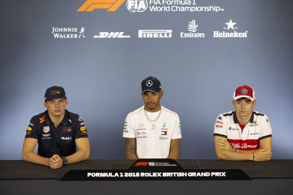 Max Verstappen (NED) Red Bull Racing, Lewis Hamilton (GBR) Mercedes-AMG F1 and Charles Leclerc (MON) Alfa Romeo Sauber F1 Team in the Press Conference