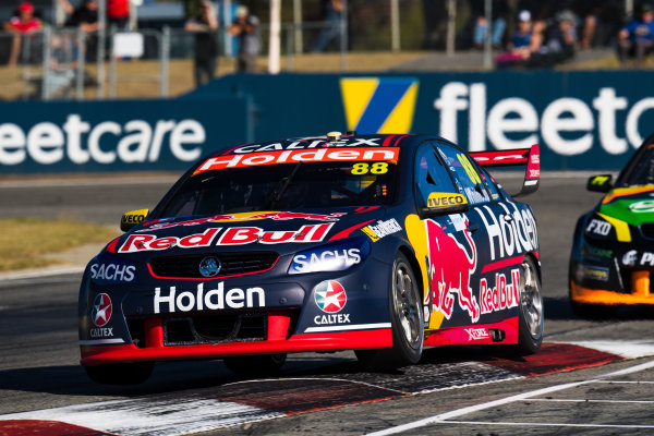 2017 Supercars Championship Round 4.  Perth SuperSprint, Barbagallo Raceway, Western Australia, Australia. Friday May 5th to Sunday May 7th 2017. Jamie Whincup drives the #88 Red Bull Holden Racing Team Holden Commodore VF. World Copyright: Daniel Kalisz/LAT Images Ref: Digital Image 050517_VASCR4_DKIMG_1153.JPG