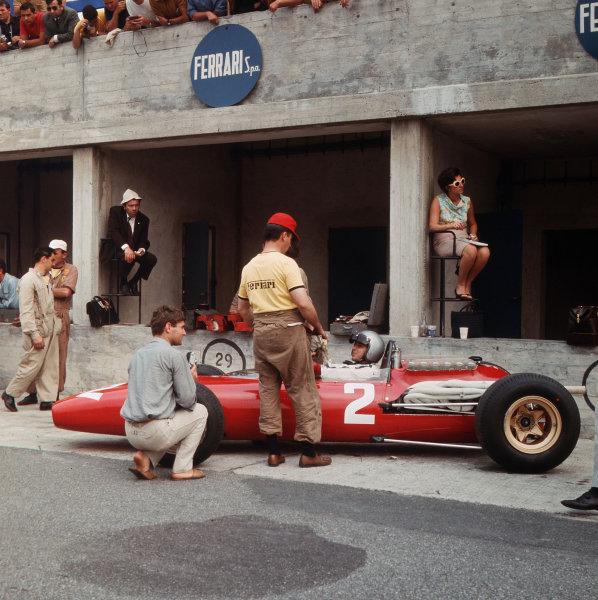 Monza, Italy. 2-4 September 1966.Lorenzo Bandini (Ferrari 312) in the pits.Ref-3/2353.World Copyright - LAT Photographic