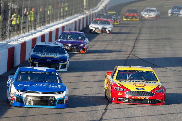 #42: Kyle Larson, Chip Ganassi Racing, Chevrolet Camaro Credit One Banka nd #22: Joey Logano, Team Penske, Ford Fusion Shell Pennzoil