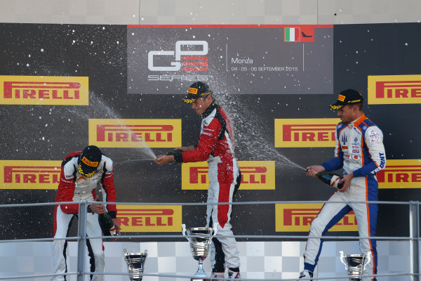 2015 GP3 Series Round 6. Autodromo di Monza, Italy. Sunday 6 September 2015. Marvin Kirchhofer (GER, ART Grand Prix), Esteban Ocon (FRA, ART Grand Prix) & Luca Ghiotto (ITA, Trident)  World Copyright: Sam Bloxham/LAT Photographic. ref: Digital Image _SBL3757
