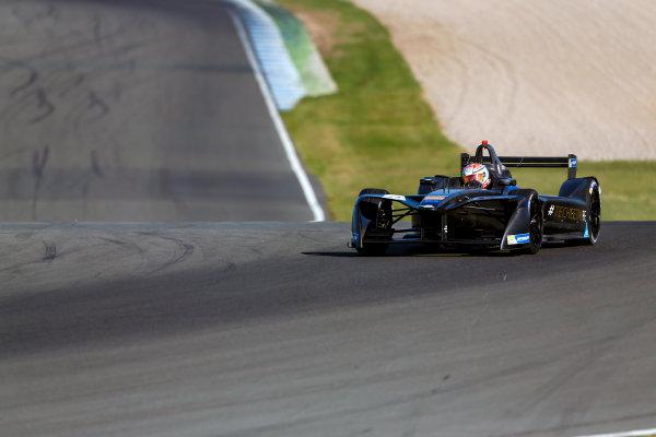 FIA Formula E Season 3 Testing - Day Two. Donington Park Racecourse, Derby, United Kingdom. Ma Qing Hua, Techeetah, Spark-Renault. Wednesday 24 August 2016. Photo: Adam Warner / LAT / FE. ref: Digital Image _L5R0327