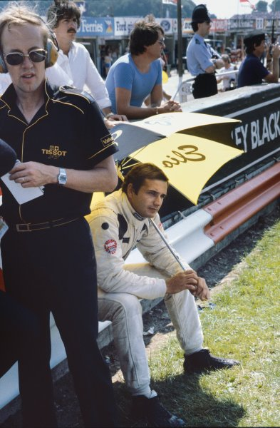 1982 British Grand Prix.Brands Hatch, Great Britain. 18 July 1982. Elio de Angelis, Lotus 91 Ford, 4th, on the grid. World Copyright: LAT PhotographicRef: 35mm transparency 82GBR
