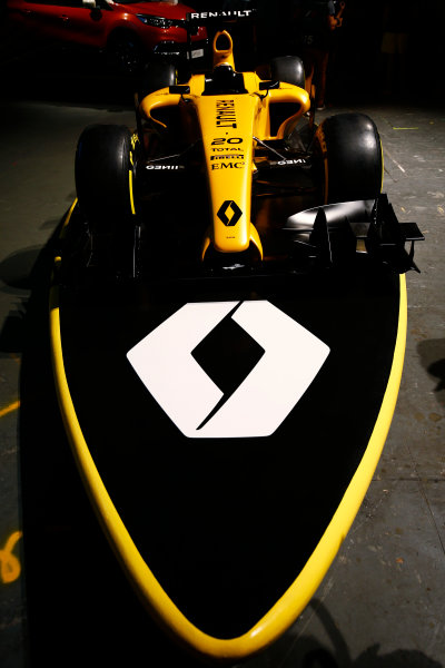 Albert Park, Melbourne, Australia. Wednesday 16 March 2016. The Renault RS16 in its new livery. World Copyright: Andy Hone/LAT Photographic ref: Digital Image _ONY9934