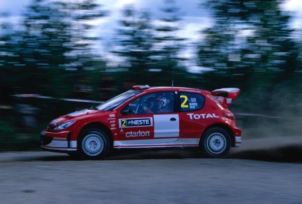 2003 World Rally ChampionshipRally of Finland, Finland. 6th - 10th August 2003Richard Burns / Robert Reid (Peugeot 206 WRC)World Copyright: McKLEIN/LATref: 35mm Image 03FINLAND08