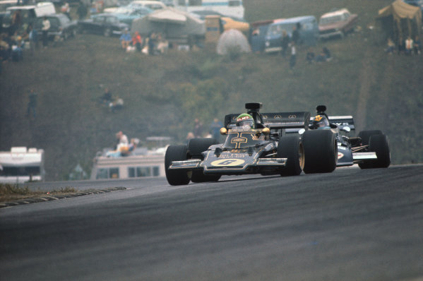 1972 Canadian Grand Prix.  Mosport, Canada. 22-24th September 1972.  Reine Wisell, Lotus 72D Ford, retired, leads Carlos Pace, March 711 Ford, 9th position.  Ref: 72CAN50. World Copyright: LAT Photographic