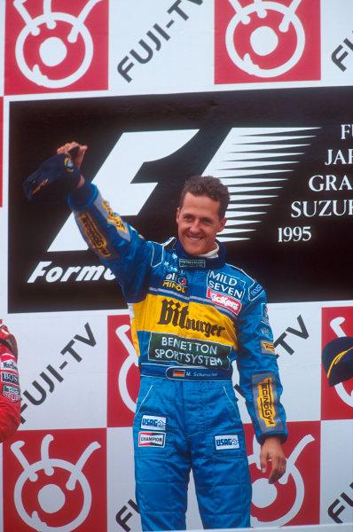 Suzuka, Japan.27-29 October 1995.Michael Schumacher, 1st position  (Benetton Renault) 3rd position on the podium.Ref-95 JAP 06.World Copyright - LAT Photographic