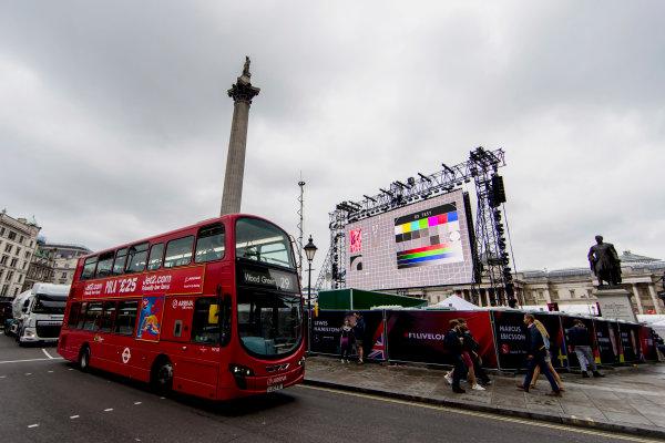 F1 Live London. London, United Kingdom. Tuesday 11 July 2017. Preparations for F1 Live in Trafalgar Square. World Copyright: Zak Mauger/LAT Images ref: Digital Image _56I5242