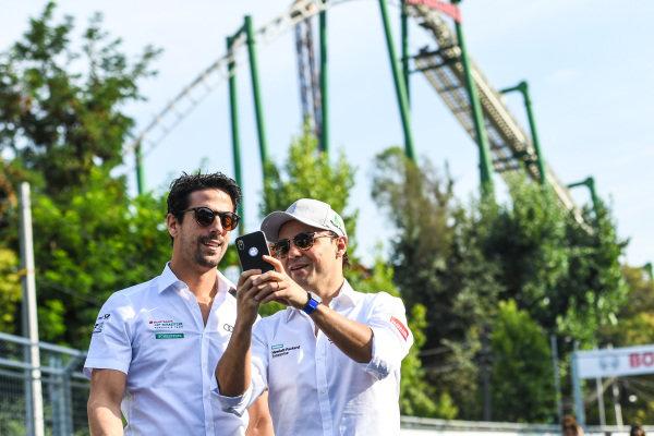 Lucas Di Grassi (BRA), Audi Sport ABT Schaeffler and Felipe Massa (BRA), Venturi Formula E, take a selfie