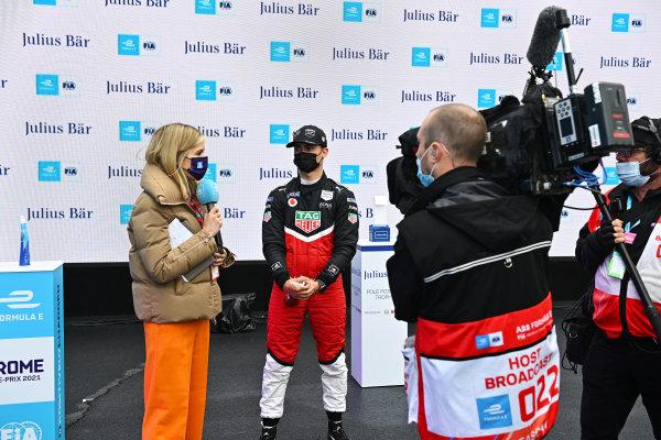TV Presenter Nicki Shields, interviews Pascal Wehrlein (DEU), Tag Heuer Porsche, after Qualifying