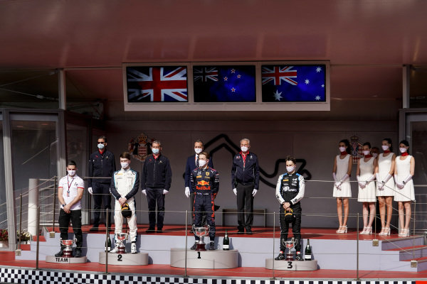 Dan Ticktum (GBR, Carlin), 2nd position, Liam Lawson (NZL, Hitech Grand Prix), 1st position, and Oscar Piastri (AUS, Prema Racing), 3rd position, on the podium