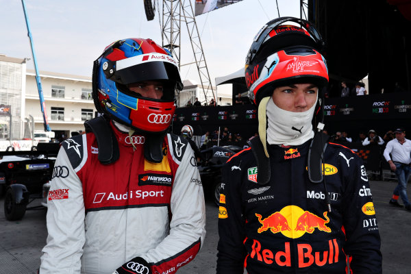 Pierre Gasly (FRA) and Loic Duval (FRA) look on